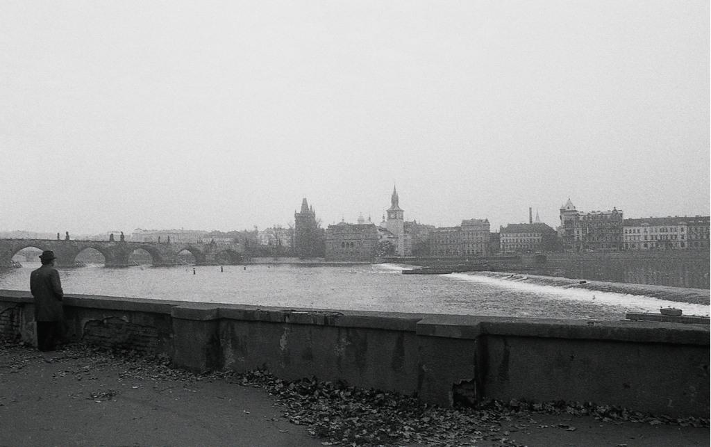 Framing the city Prag